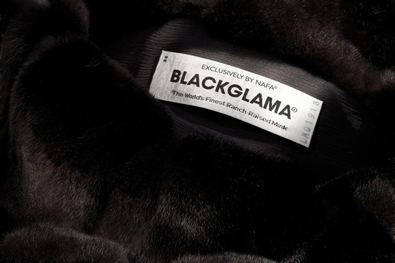 Выбрать шубу Blackglama в Дубае
